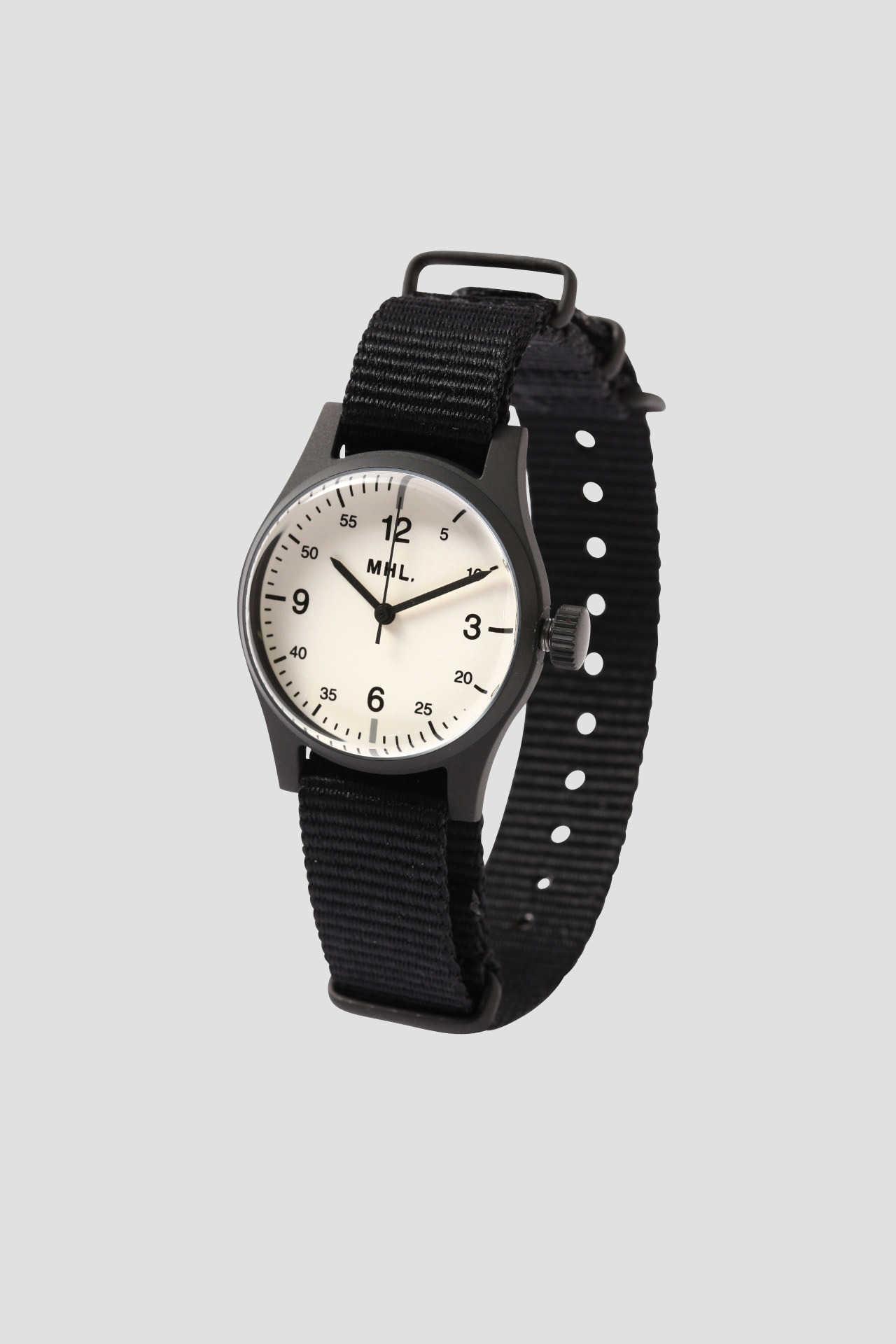 MILITARY WRIST WATCH 軍用の時計をイメージに落とし込んだミリタリーウォッチ。 ¥ 23,000 (+TAX)